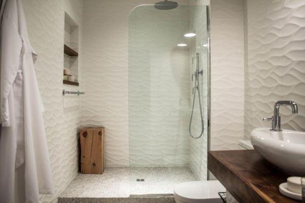 Standout walk in showers